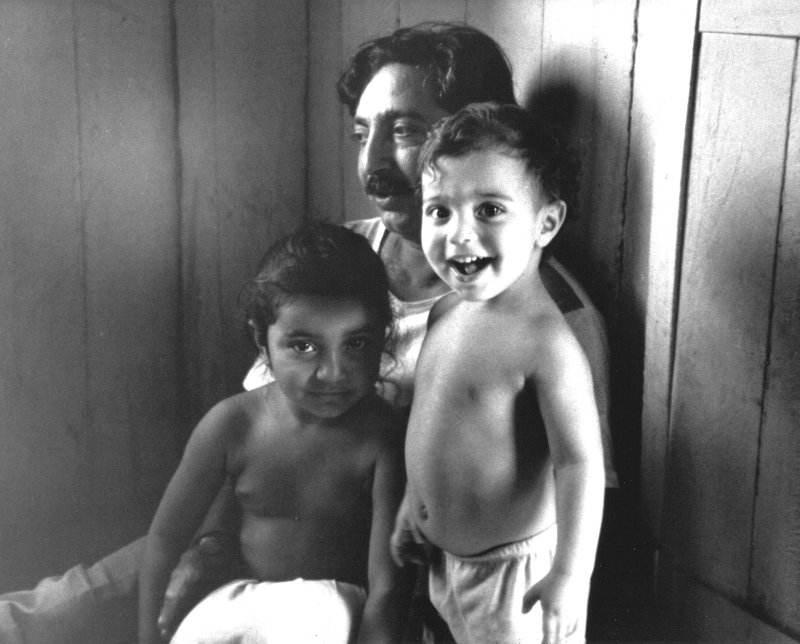 Chico Mendes and children 1988