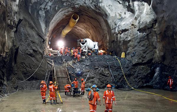 Perfuracao de tunel nas obras da Hidreletrica-de Chaglla, no Peru - Imagem - Divulgacao Odebrecht