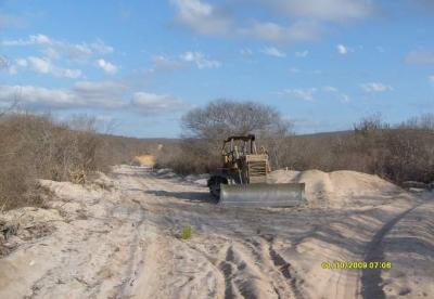 Foto enviada à reportagem de ((o))eco por fonte que prefere não se identificar mostra estrada aberta de qualquer forma na Serra do Sapateiro, em meio à Caatinga.
