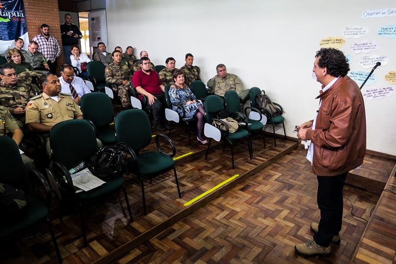 Aula do 1º curso de formação de guarda-parques do Rio Grande do Sul, realizado no Parque Estadual de Itapuã, em setembro de 2014. Foto: SEMA/RS