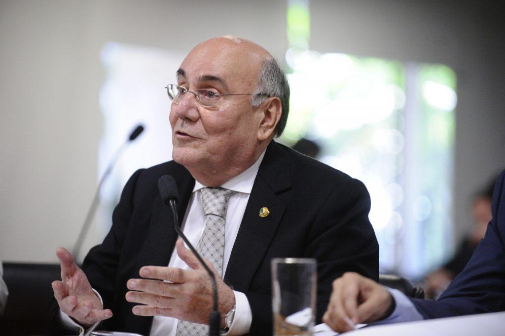 Senador Flexa Ribeiro (PSDB-PA) é autor da proposta. Foto: Edilson Rodrigues/Agência Senado