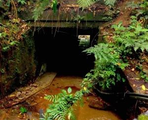 passagem subterrânea