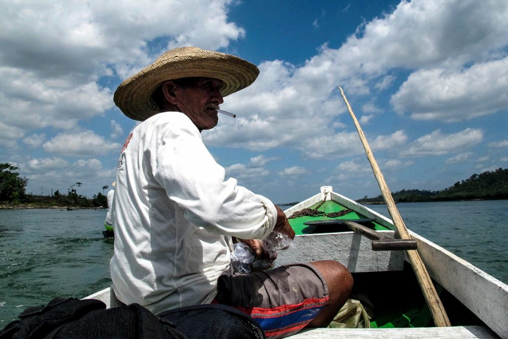 Cobalto, pescador da Ilha da Fazenda: preocupado com o fim das cheias na Volta Grande do Xingu. Foto Gustavo Faleiros