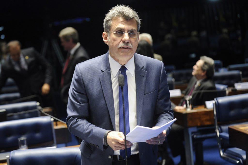 Senador Romero Jucá apresentou na semana passada proposta que estabelece prazo limite para o licenciamento ambiental. Foto: Jefferson Rudy/Agência Senado.