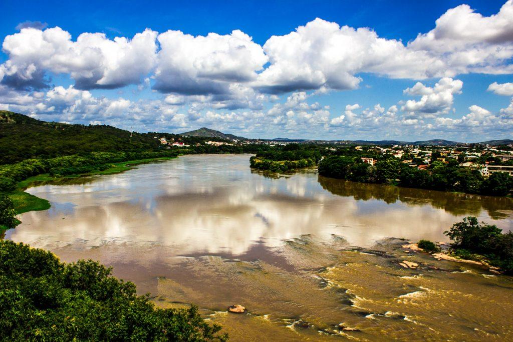 O Rio Doce que estava doente, mas tinha chance de cura antes de ser destruído. Foto: Wikipedia