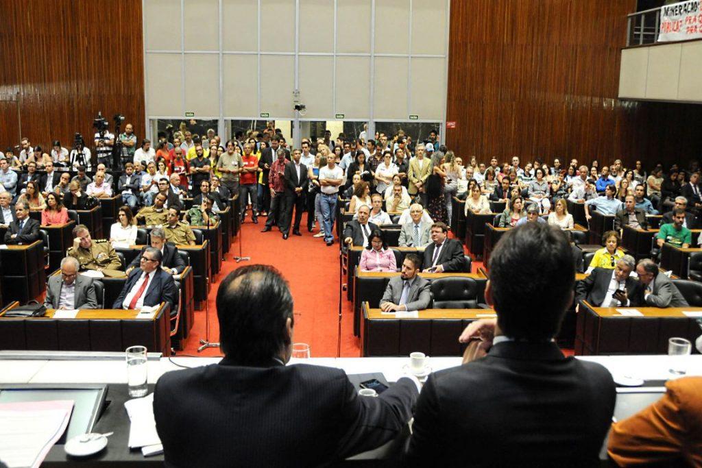 Audiência pública na Assembleia Legislativa de Minas debate projeto de lei que muda o Sistema de Meio Ambiente do estado. Foto: Ricardo Barbosa/ALMG.