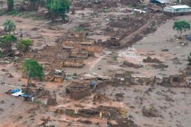 Vilarejo de Bento Rodrigues, em Mariana, foi destruído pela barragem. Antonio Cruz/Agência Brasil.