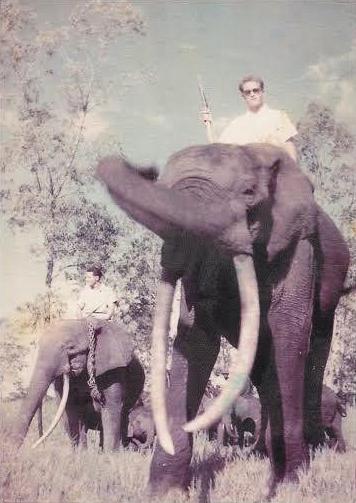 Paul Pierret , de 1955 a 1960 foi Diretor Adjunto e logo Diretor da Estação de Gangala na Bodio.