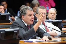 Projeto foi arquivado após Comissão de Meio Ambiente seguir voto de Sarney Filho (acima) pela rejeição. Foto: Luis Macedo/Câmara dos Deputados.