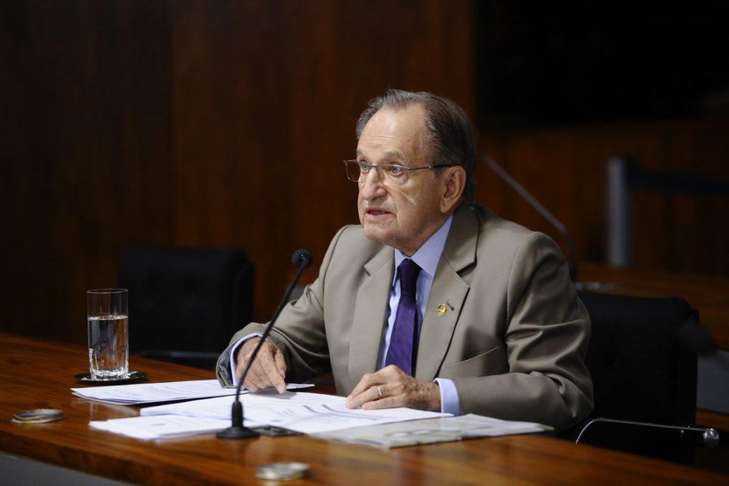 Projeto do Senador Ruben Figueiró (PSDB-MS) transfere para Ministério da Agricultura análises sobre registros de agrotóxicos. Foto: Pedro França/Agência Senado.