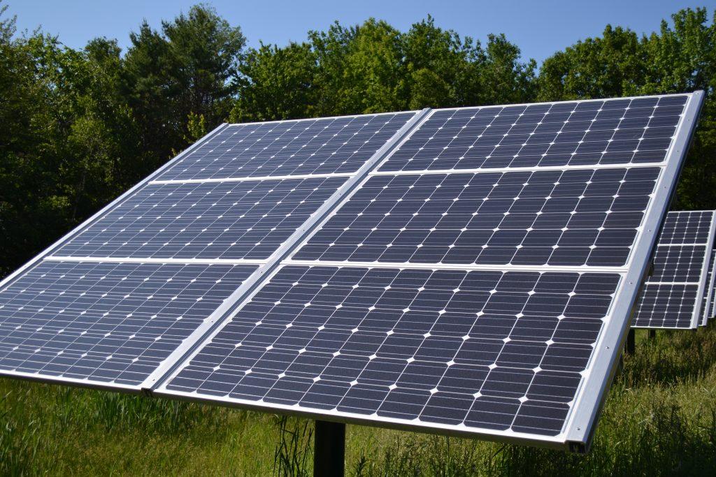 Placas solares. Foto: wikipédia.