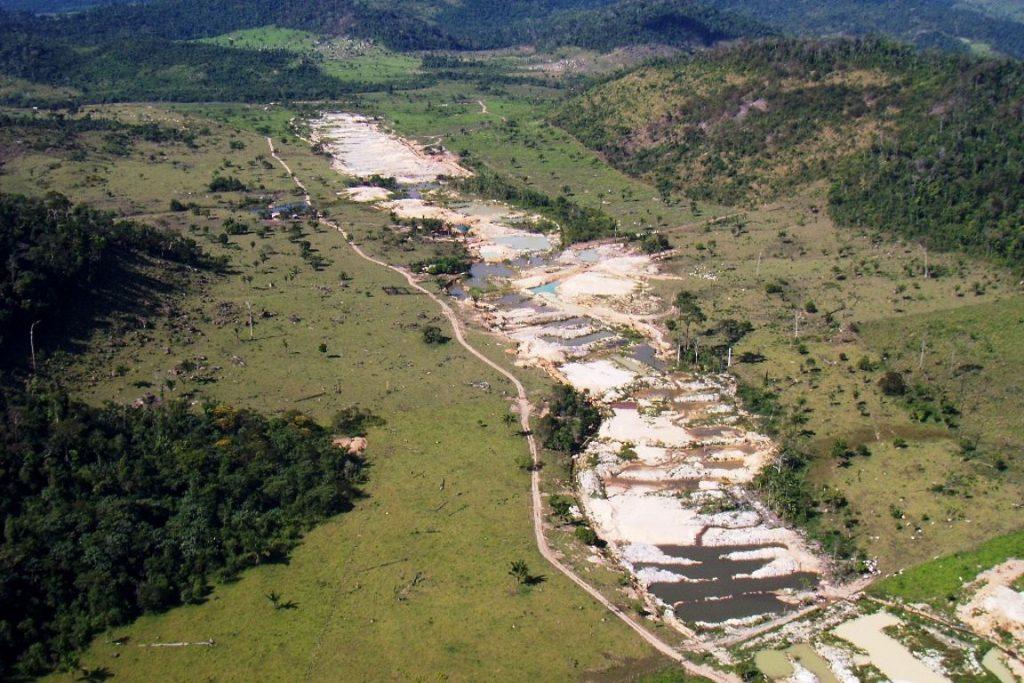 Garimpo ilegal localizado em São Féliz do Xingu, Pará. Foto: Leonardo Tomaz/Ibama.