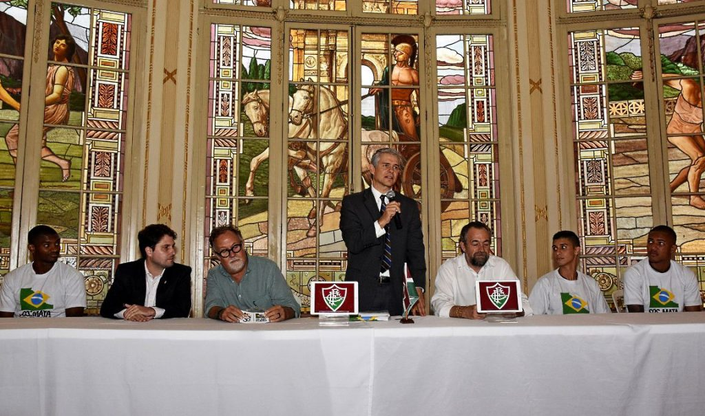 Coletiva de anúncio de parceria. Da esquerda para a direita: Marlon Santos, Leonardo Lemos, Luiz Caralos Rodrigues, Pedter Simsen, Mario Mantovani, dietor da fundação, Daniel e Nogueira.
