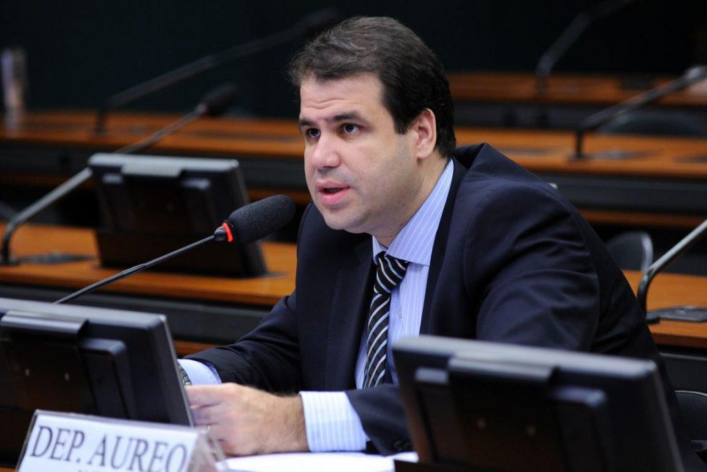 Deputado Áureo (SD-RJ) é autor da proposta que liberar o uso de diesel em carros de passeio. Foto: Lucio Bernardo Jr. / Câmara dos Deputados.