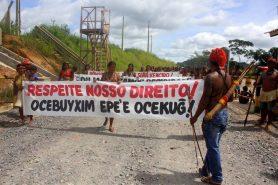 A construção da usina de Belo Monte foi marcada por muitos protestos como esse em 6 de maio. Foto: Ocupação Munduruku/Flickr.