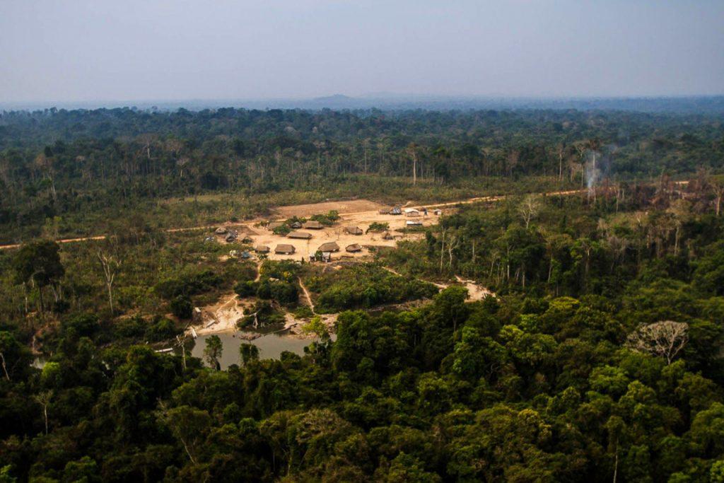 O Instituto Kabu desde 2008 representa as aldeias da TI Mekrãgnoti. Além de atividades de monitoramento, o Instituto apoia ações de preservação da cultura e do território kayapó.
