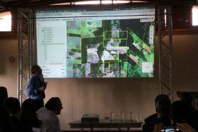 O diretor do Serviço Florestal, Raimundo Deusdará, mostra como funciona interface pública do CAR. Foto: Claudio Angelo/OC