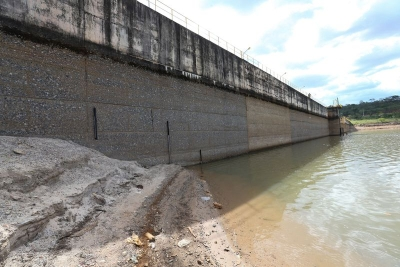 Nível de água da Barragem do Descoberto está abaixo da média histórica. Foto: Fabio Rodrigues Pozzebom/Agência Brasil.