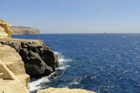 Mar Mediterrâneo visto da costa de Malta. Cerca de um terço do Mediterrâneo corre risco de um colapso. Foto: Kristoferb /Wikipédia.