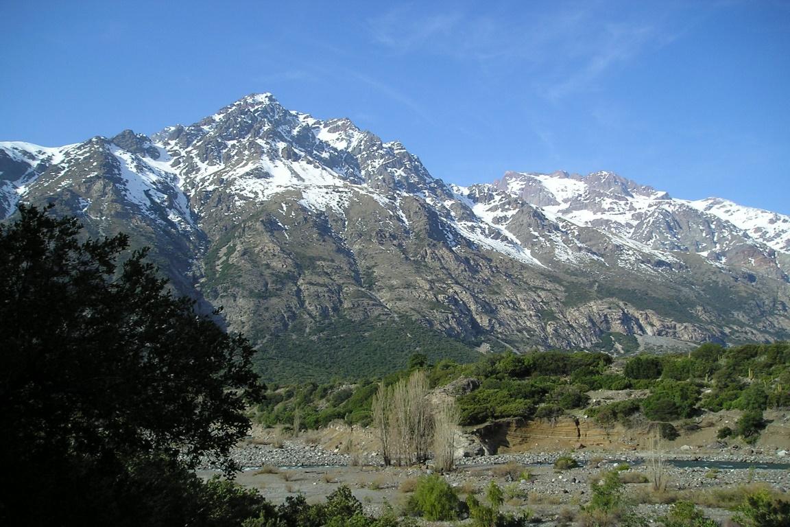 Reserva Nacional Rio de Los Cipreses é uma das 43 unidades de conservação chilenas fechadas para visitação devido a onda de incêndios. Foto: ChileBike/Flickr