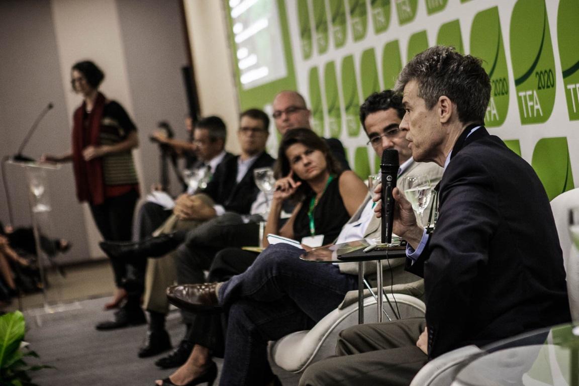 Governança distribuída para combater o desmatamento