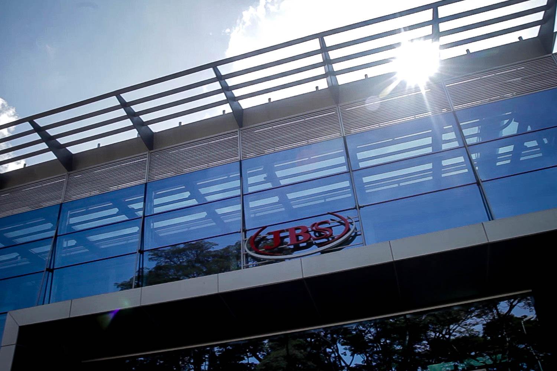 Operação 'Carne Fria' do Ibama autua JBS, mas governo federal tenta abafar