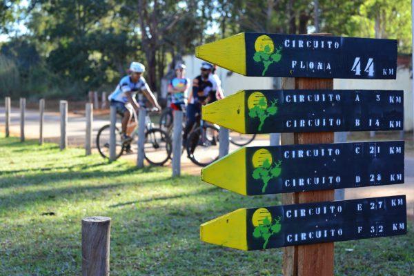 Sinalização de trilhas aposta no aumento do turismo em áreas protegidas