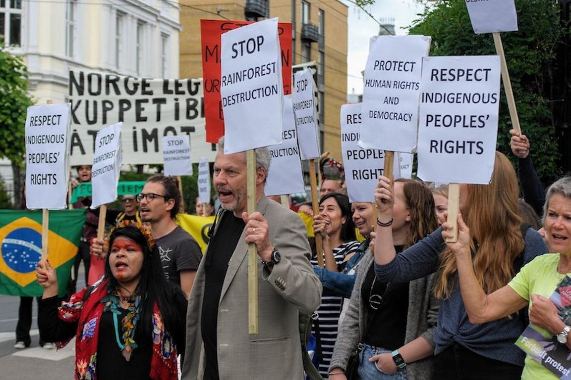 Ambientalistas protestam contra Temer em Oslo. Foto: Ronny Hansen/Rainforest Foundation Norway.