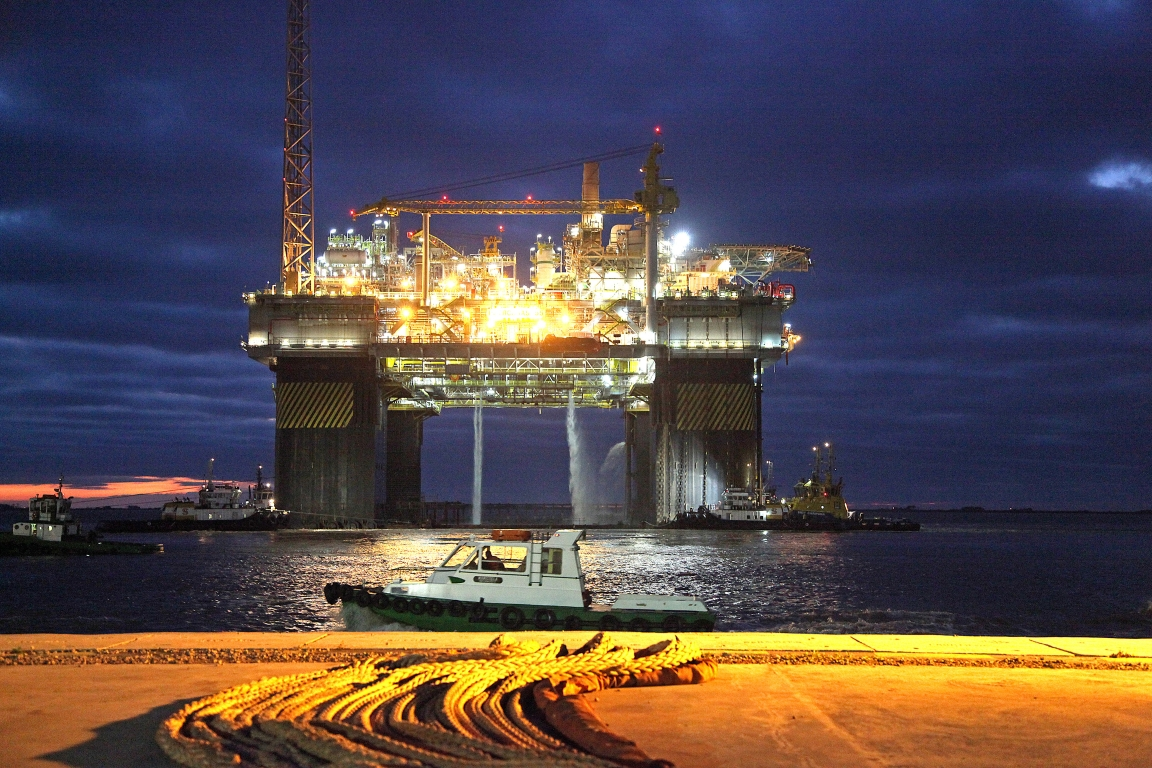 Plataforma de exploração de petróleo P 55 no estaleiro Rio Grande, no Rio Grande do Sul. Foto: PAC/Divulgação.