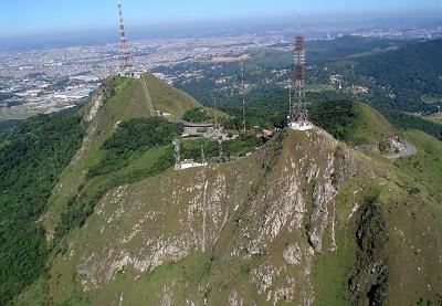 Vista de torres de transmissão no Parque Estadual de Jaraguá. Foto: Divulgação.