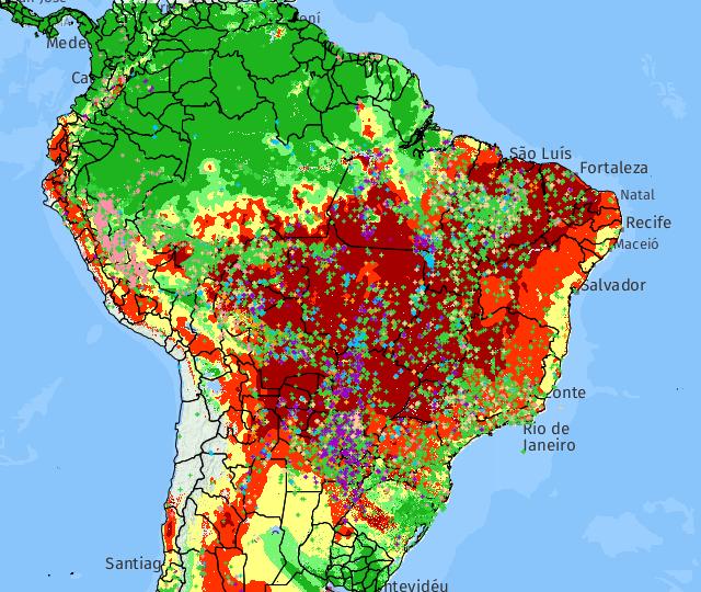 Marcações de todas as cores indicam focos de incêndio revelados por diferentes satélites que monitoram o país em 22 de setembro de 2017.
