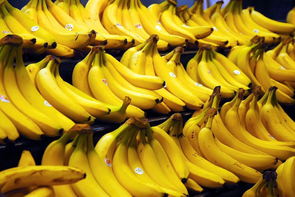 Banana prata foi um dos alimentos testados a pedido do Greenpeace. Foto: Wikipédia.