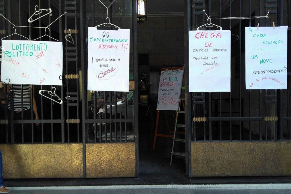 Protesto contra o loteamento político nos órgãos ambientais. Foto: Divulgação.