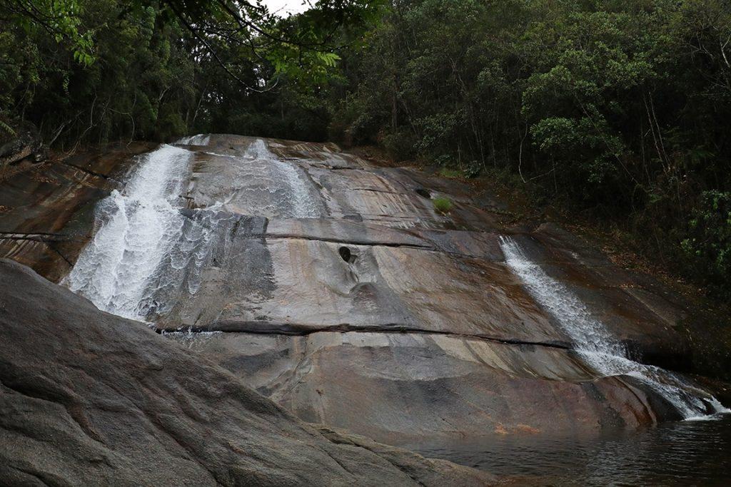 A Cachoeira Santa Clara, último atrativo da travessia. Foto: Duda Menegassi.