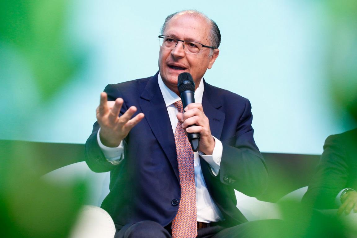 O governador de São Paulo, Geraldo Alckmin, afirmou em entrevista ao Canal Rural que vetará o Projeto de Lei que proíbe o consumo de qualquer proteína animal e derivados em órgãos públicos do estado. Foto: Governo do Estado de São Paulo/Flickr.