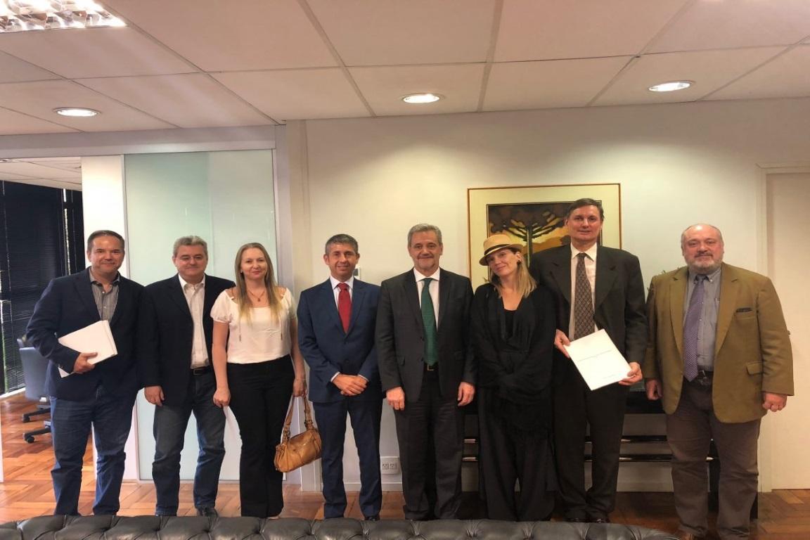 Grupo pede intervenção federal nos órgãos ambientais do Paraná