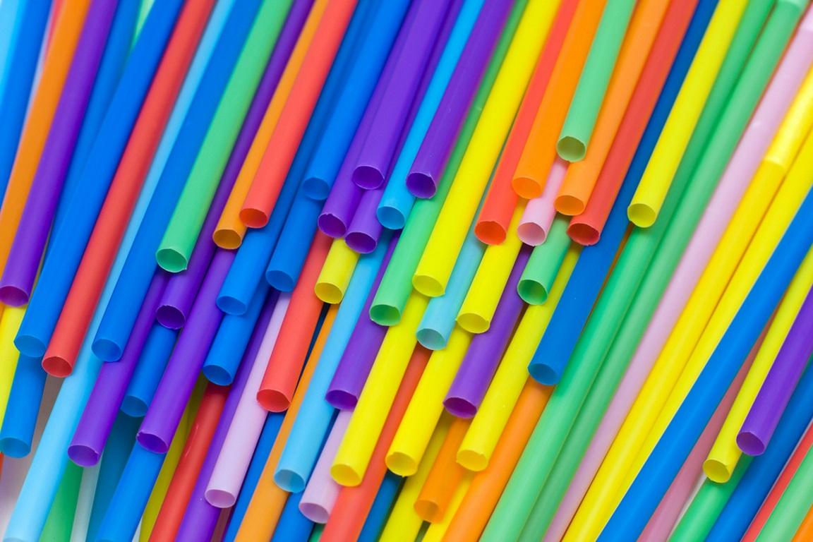 União Europeia propõe proibição de alguns artigos de plástico