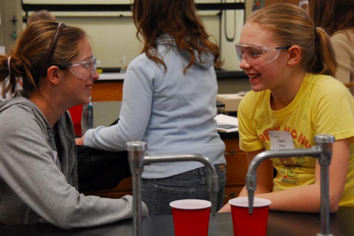 USP promove a segunda edição do 'Meninas Com Ciência'