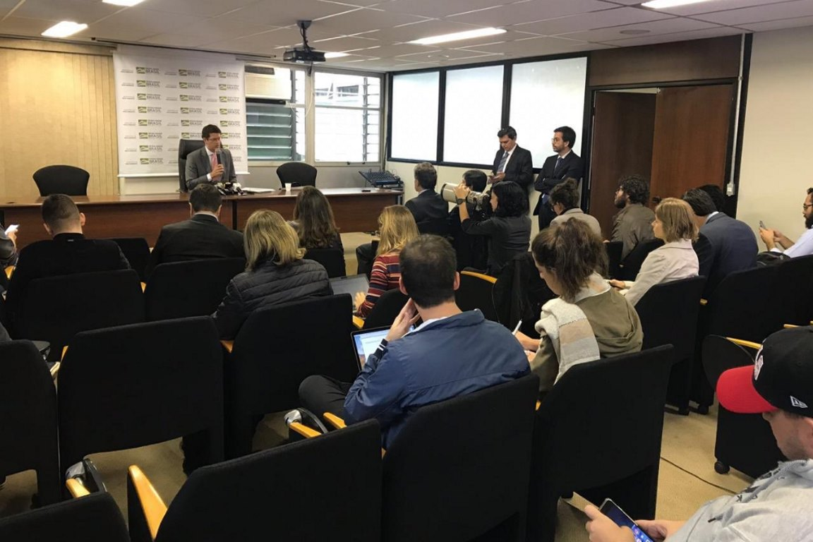 Embaixada da Alemanha e entidades ambientais contradizem declarações de Salles sobre Fundo Amazônia