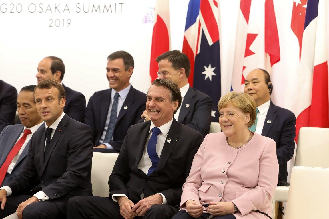 """""""Pegue essa grana e refloreste a Alemanha, ok?"""", diz Bolsonaro sobre Merkel"""