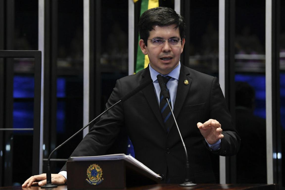 Senadores protocolam requerimentos para criar CPIs da Amazônia e das ONGs
