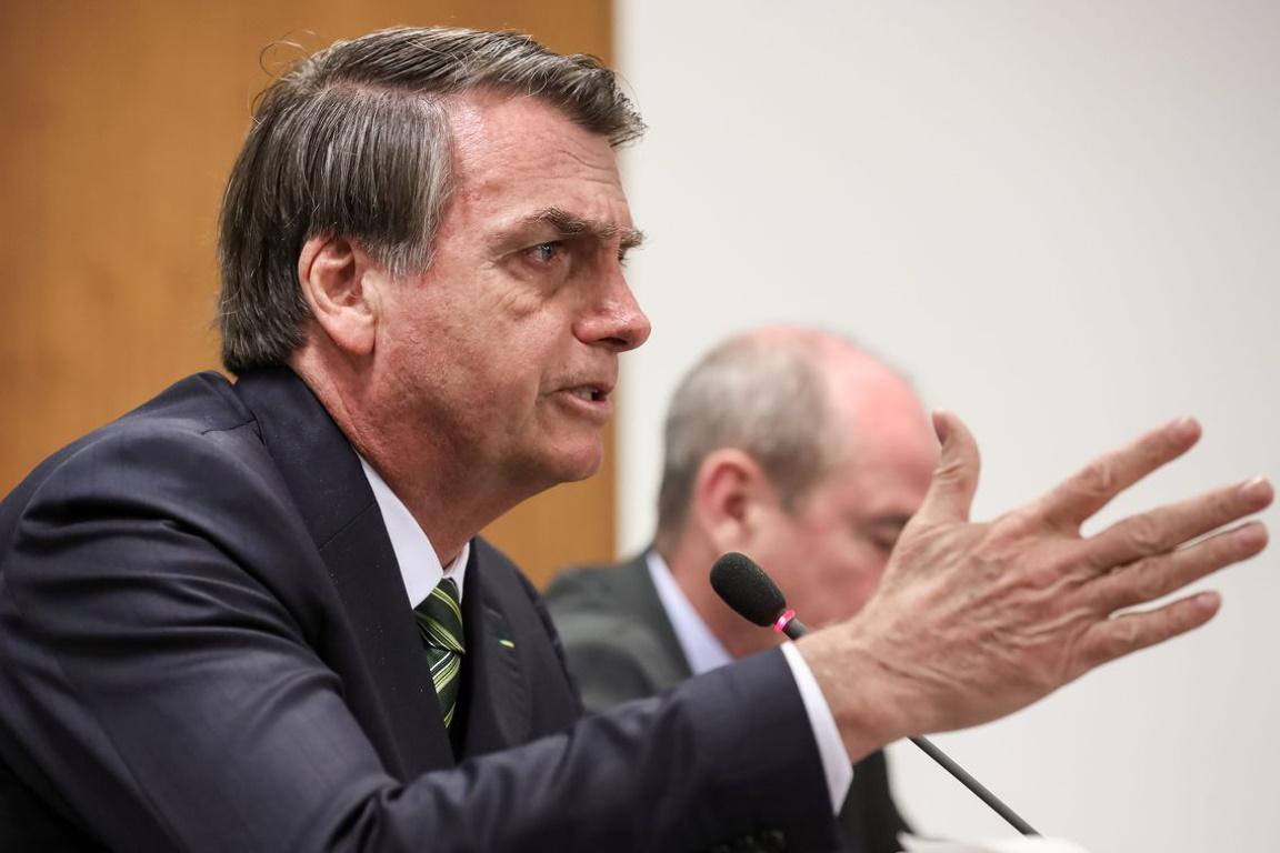 STF notifica Bolsonaro para explicar acusação sobre queimadas causadas por ONGs