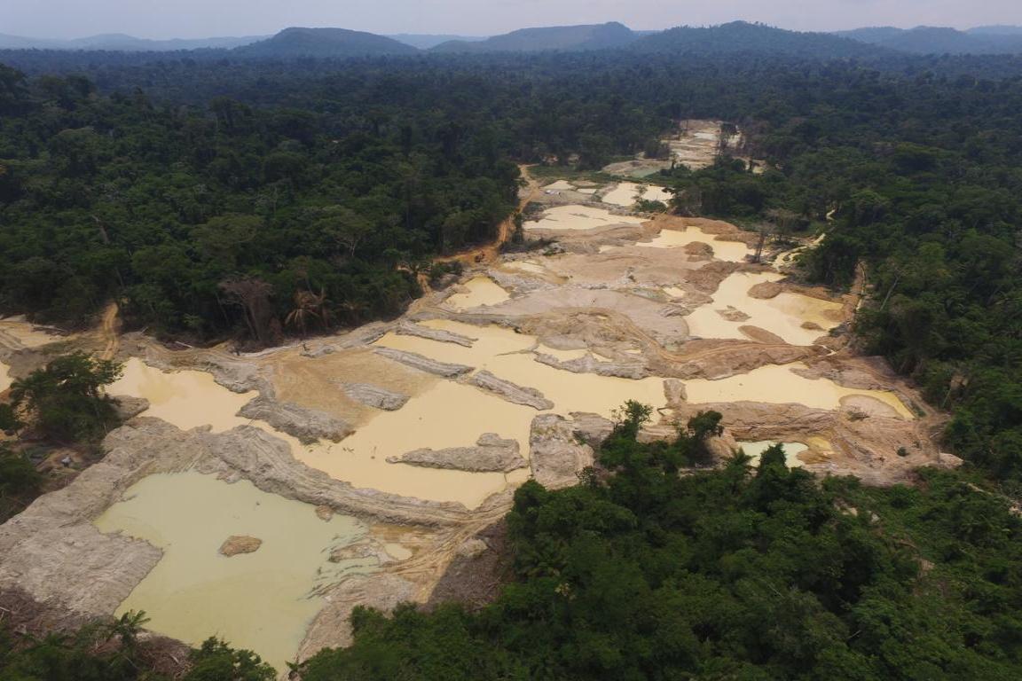Operação fecha garimpo ilegal dentro da Terra Indígena Apyterewa no Pará