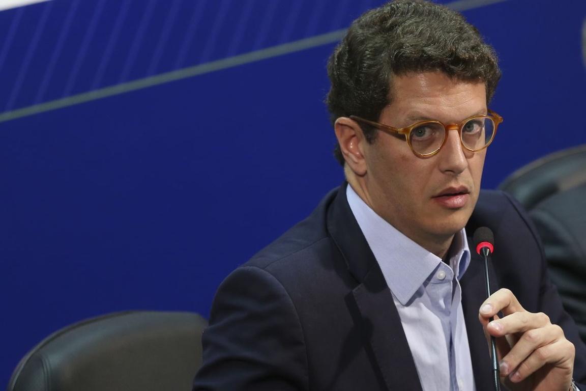 Confederação quer discutir segurança dos servidores com Ricardo Salles