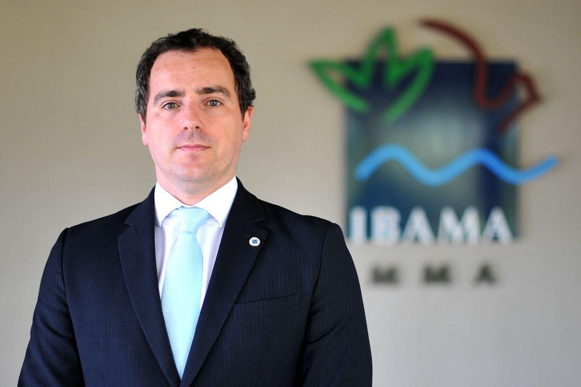 Para beneficiar ministro do STJ, presidente do Ibama libera posse de papagaios