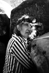 A viagem do espeleólogo Claude Chabert