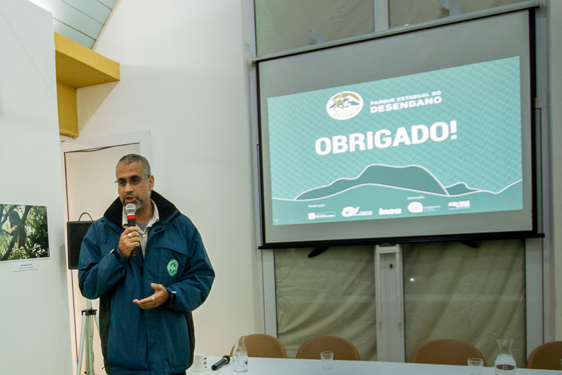 Carlos Dário, gestor do parque, durante o encerramento do 1o Encontro Científico do Parque Estadual do Desengano. Foto: Marcio Isensee e Sá / Instituto Moleque Mateiro