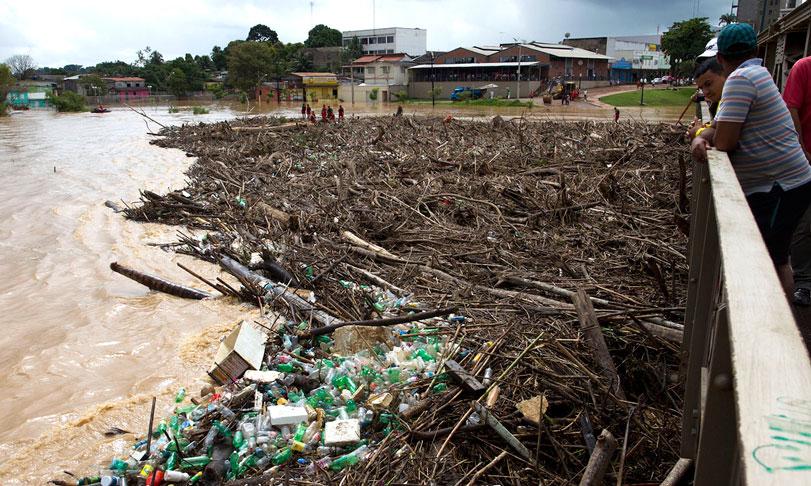Teimosia antiga e as enchentes na Amazônia