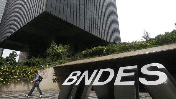 Dois repórteres na pista dos bilhões do BNDES